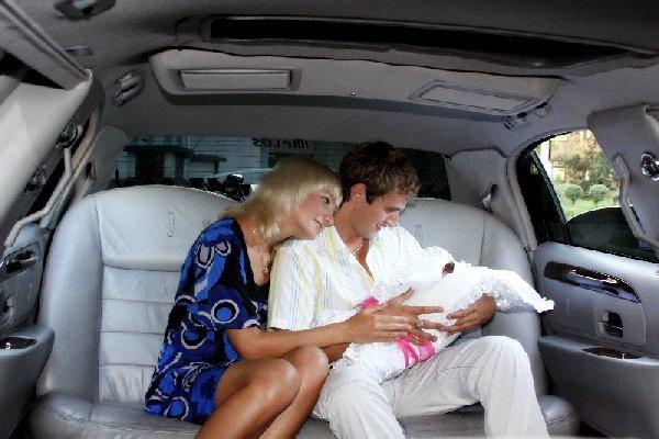 встреча из роддома на лимузине
