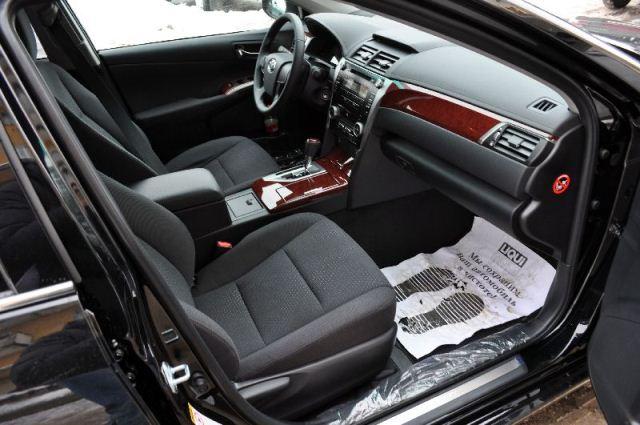Toyota Camry, цвет черный13