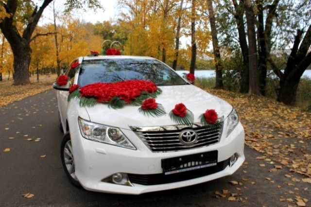 Toyota Camry 2013, белый 2