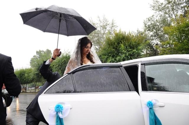 Дождь на свадьбе - к удаче!