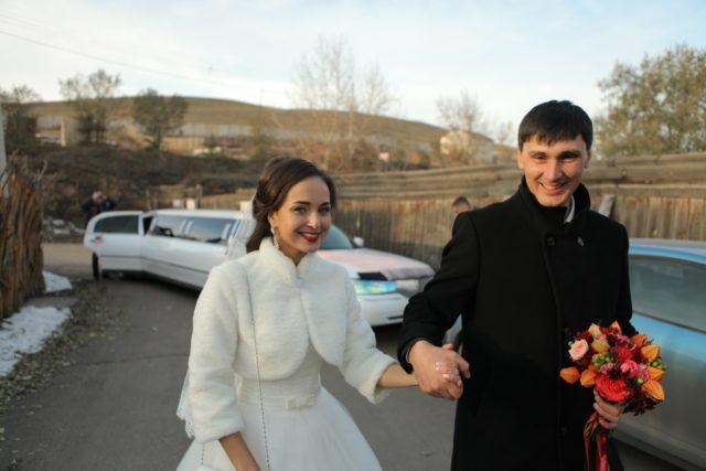 Свадьба, лимузин Линкольн Таун Кар