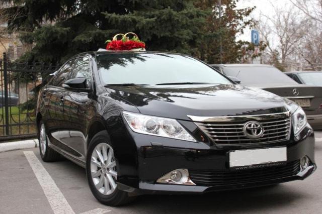 Toyota Camry, цвет черный1